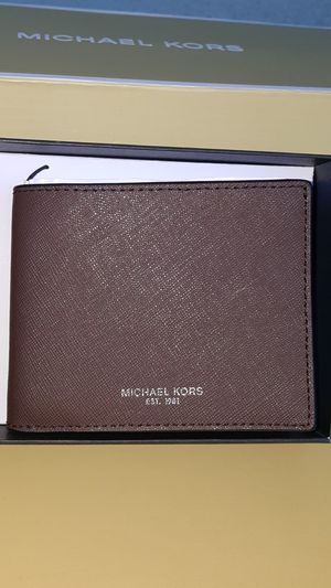 New Authentic Michael Kors Men's Brown Wallet for Sale in Commerce, CA