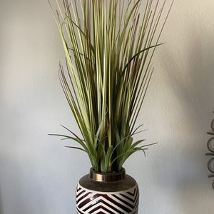 Fake Plant - Decorative Item - Nearly Natural Plant for Sale in Los Angeles, CA