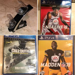PS4 Bundle = 3 Games & 1 Charging Dock for Sale in San Carlos, CA