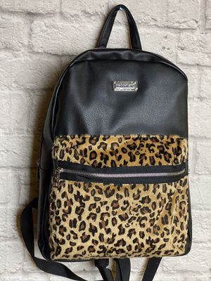 Madden Girl Brown Leopard Backpack Womens New for Sale in Pomona, CA
