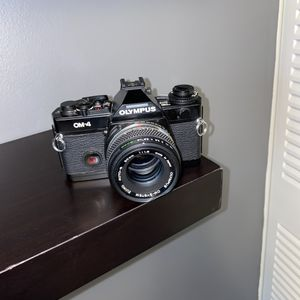 OLYMPUS OM-4 35mm FILM CAMERA for Sale in North Chesterfield, VA