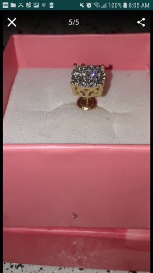 14k 23 points of diamonds single ear, WILL TAKE 150.00 MOST GO TODAY!!! for Sale in Memphis, TN