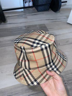 BURBERRY BUCKET HAT for Sale in Pico Rivera, CA