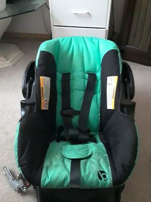 BabyTrend Infant car seat for Sale in Kennewick, WA