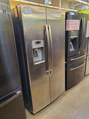 GE Side By Side Refrigerator for Sale in Ontario, CA