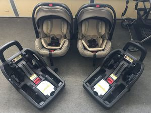 Graco Snugride cTwo Graco Snugride click connect infant car seats plus bases and baby trend twin stroller for Sale in Tustin, CA