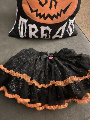 Girls Hello Kitty Halloween skirt size 4t for Sale in Fresno, CA