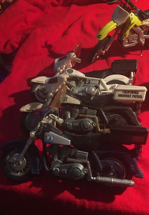 Lot 9 motorcycles toy Kawasaki Suzuki for Sale in Mechanicsburg, PA