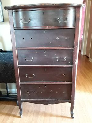 Antique chest dresser for Sale in Azusa, CA