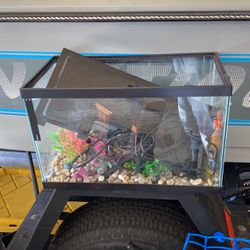 Fish Tank for Sale in Patterson,  CA