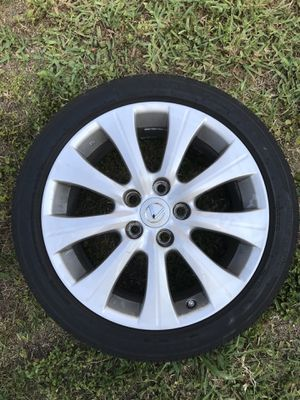 Lexus GS 350 17 inch with tires for Sale in Miami, FL