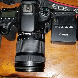 Canon 70D for Sale in Meriden, CT