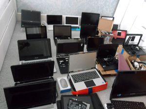"""Laptops, desktops, monitors, """""""""""""""" read description please,,,,, for Sale in Katy, TX"""