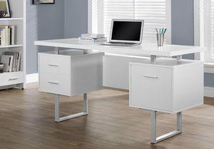 White office desk for Sale in Oakland, CA
