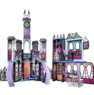 Monster high deadluxe castle. Excellent Used condition. Everything is here! for Sale in East Wenatchee, WA