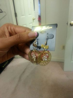 New Fashion Round Earrings for Sale in Burtonsville, MD