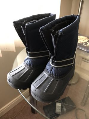 Little kids size 10 Snow boots EUC for Sale in Riverview, MI
