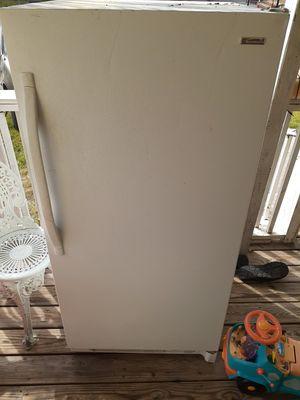 Kenmore freezer for Sale in San Antonio, TX