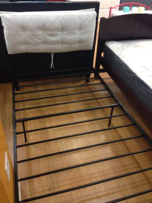 Twin Size Metal Bed Frame for Sale in Los Angeles, CA