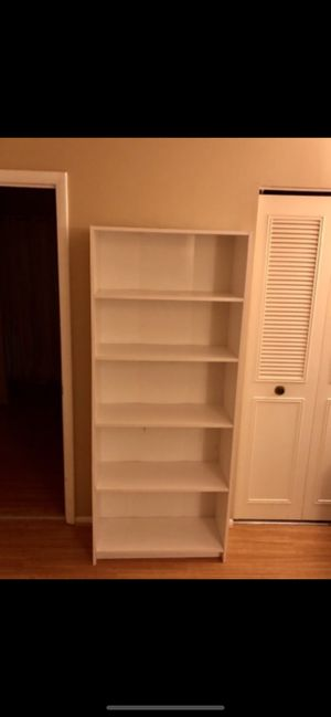 White wayfair bookcase excellent condition for Sale in Crofton, MD
