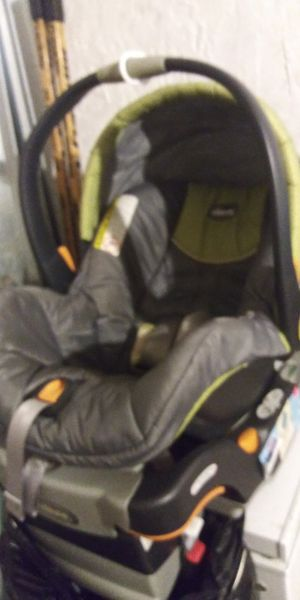 Chicco new baby car seat 15dol Firm lots 4sale my post go look for Sale in Jupiter, FL
