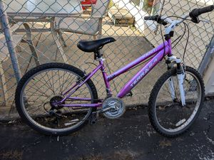 Nice bike for Sale in Tinley Park, IL