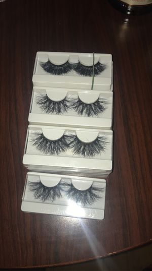 25 Mink Lashes for Sale in Chicago, IL
