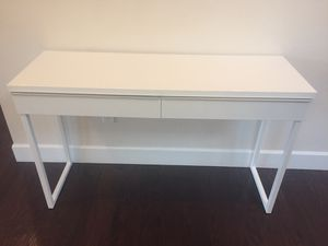 Dania white desk with 2 drawers and 2 free chairs for Sale in Bothell, WA