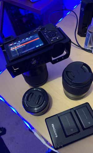 Sony a6400 w/ Extras for Sale in Los Angeles, CA