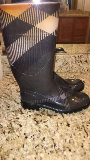 Burberry boots for Sale in Phoenix, AZ