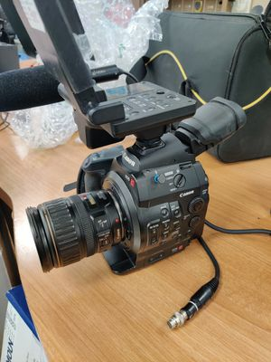 Caanon c300 with accessories and lens for Sale in West Palm Beach, FL