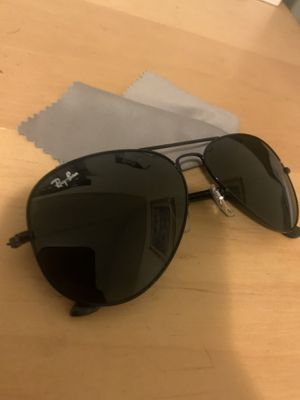 9.5/10 condition ray bands w/ box and I have the receipt for Sale in Long Beach, CA