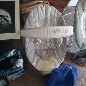 Infant Vibrating Chair for Sale in Eagleswood, NJ