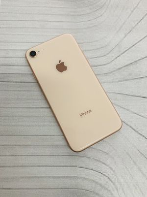 iPhone 8 (64 GB) Excellent Condition With Warranty for Sale in Cambridge, MA