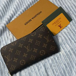 LV Wallet for Sale in Costa Mesa, CA