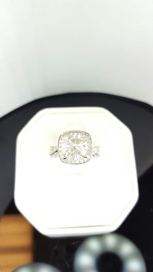 3.05 carat cushion style halo diamond ring for Sale in Nashville, TN