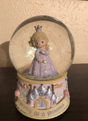 Precious Moments Princess Musical Snow Globe 2002 for Sale in Duncanville, TX