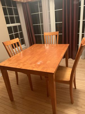 Kitchen table and 4 chairs for Sale in Macomb, MI