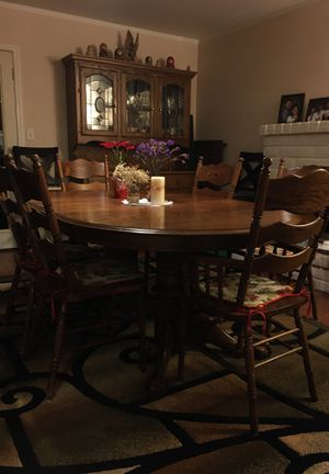 Dining table / 6 chairs / China for Sale in Ceres, CA