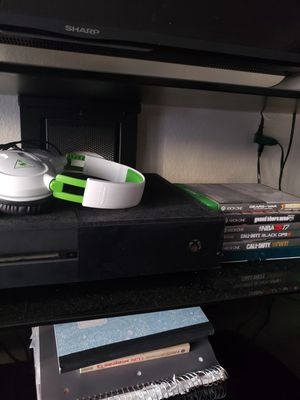 xbox one + turtle beach headset&games for Sale in Ontario, CA