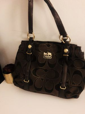Authentic Coach Purse (medium sized) for Sale in Los Angeles, CA