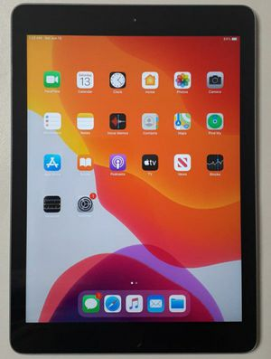 Apple iPad 5 64GB Wi-Fi Tablet eBook Reader for Sale in Lake Mary, FL