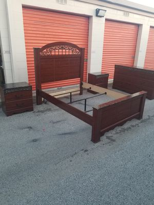 Queen bedroom set 7 Pz for Sale in Palatine, IL