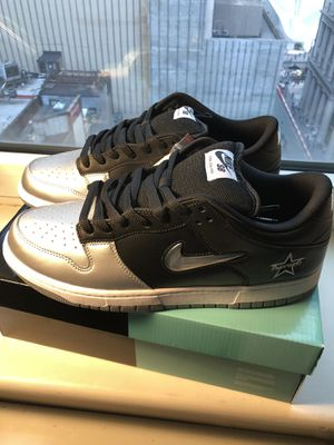 Nike x Supreme Dunk Silver Mens 11 for Sale in Brooklyn, NY