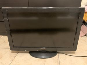 Panasonic 32inch 1080 TV for Sale in Miami, FL