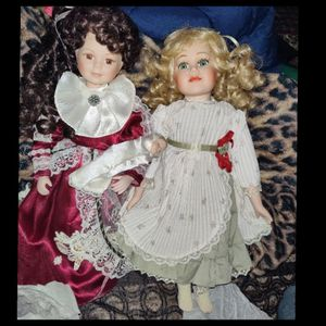 2 Beautiful Porcelain Dolls for Sale in Tampa, FL