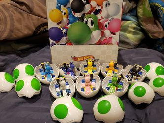 NEW COMPLETE SET OF 8 YOSHI HOT WHEELS MYSTERY EGGS for Sale in Fort Lauderdale,  FL