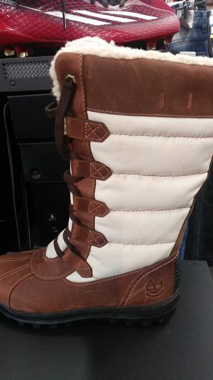Lady's timberland boots for Sale in Buffalo, NY