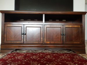 Ashely TV stand for Sale in Alexandria, VA