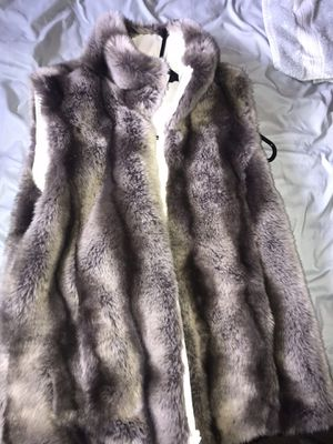Kristen Blake Fur Vest size Small for Sale in Edmonds, WA